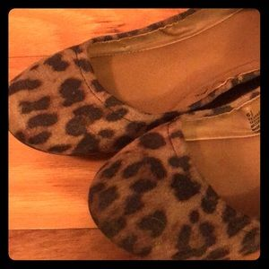 Shoes - Cheetah print ballet flats